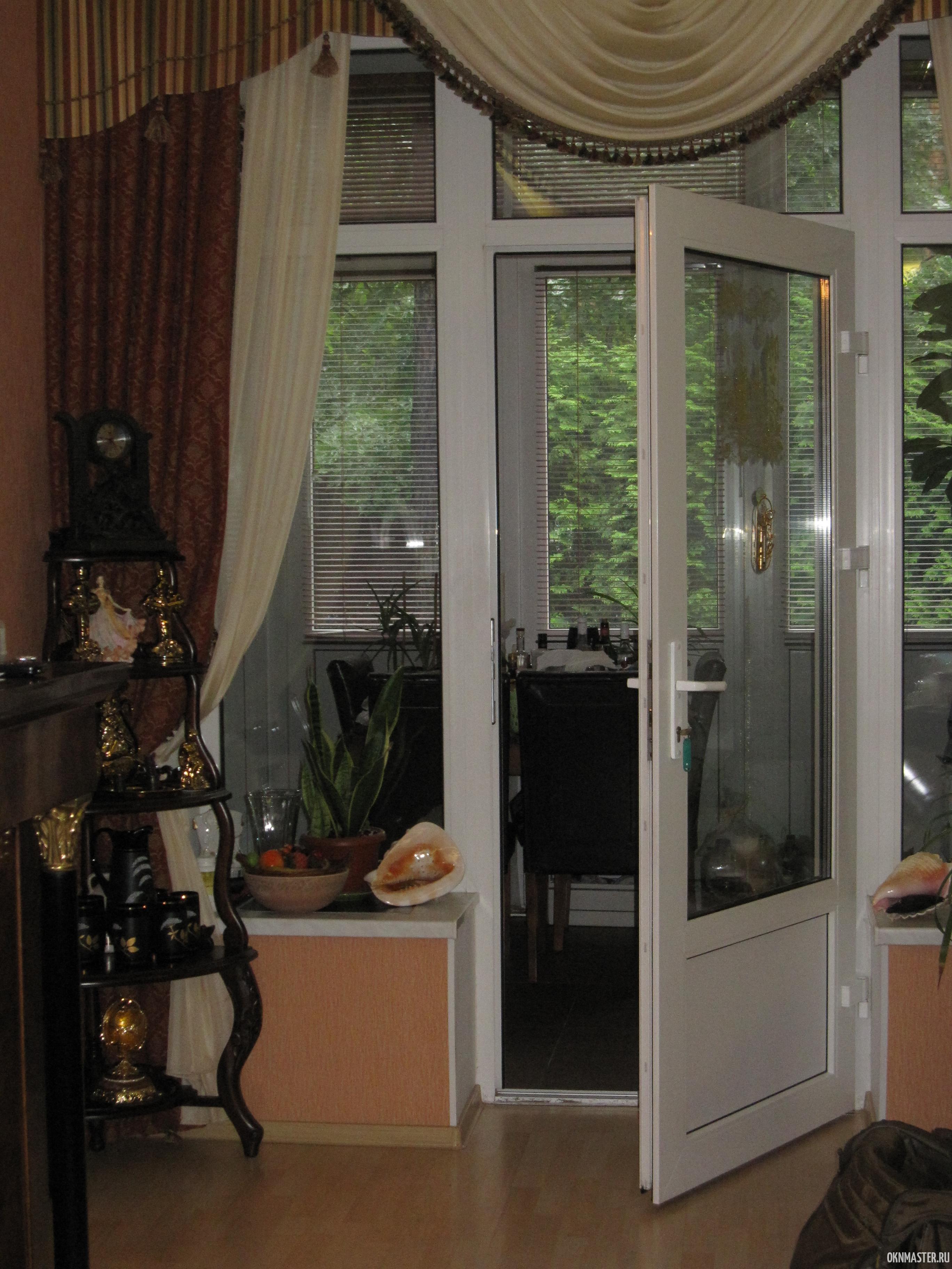 Регулировка балконной ПВХ двери Rehau