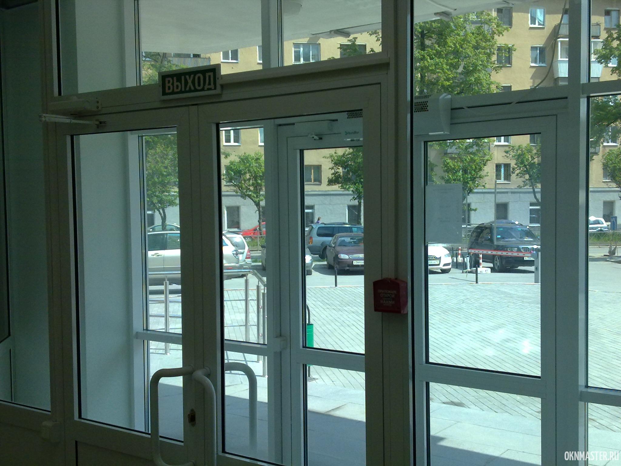 Регулировка дверей входных групп