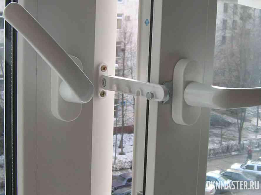 ограничитель на окно